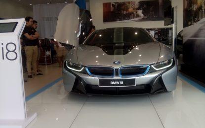 BMWi8 Sports Car Hybrid Resmi di Perkenalkan di Bandung