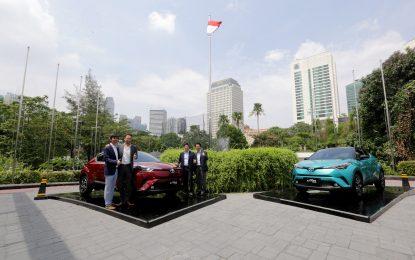 Toyota Perkenalkan C-HR Hybrid Electrified Vehicle