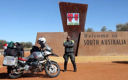 Jeffrey Polnaja Tuntaskan Puncak Penjelajahan Dunia di Benua Australia