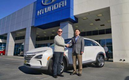 Konsumen Pertama Hyundai Nexo Hybrid Ternyata Seorang ilmuwan