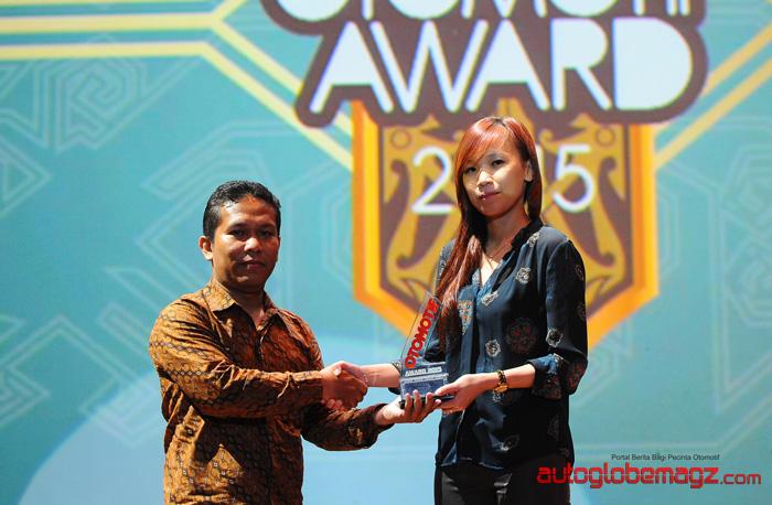 kia-carens-sorento-otomotif-award2015-2
