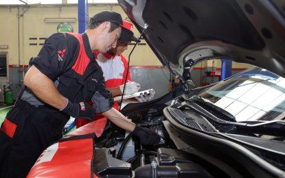Servis Mobil Mitsubishi DiTangani Langsung Mekanik Jepang, Keren Dong!!